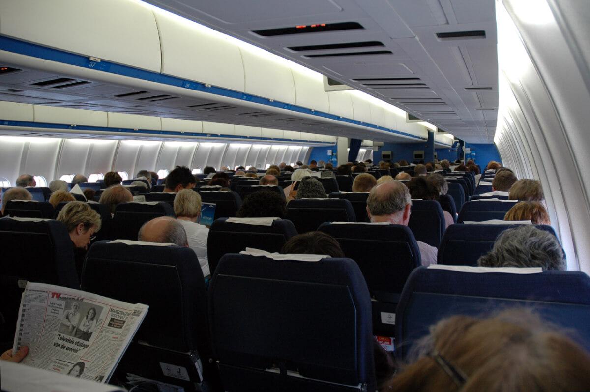 inside-plane-41345-81728.jpg