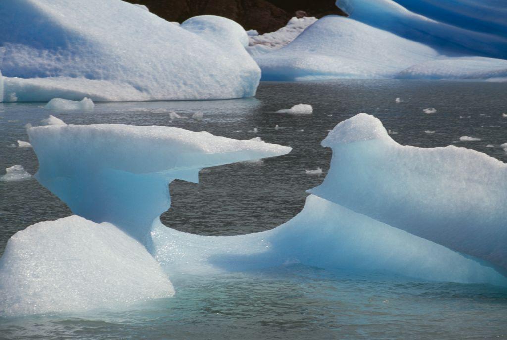 the fishermen got closer to the glacier