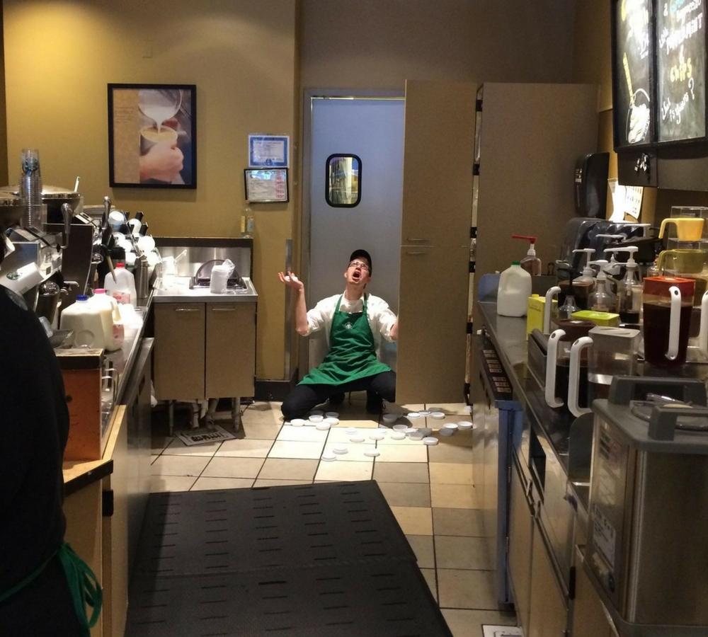 Lids-Starbucks-34548-31841.jpg
