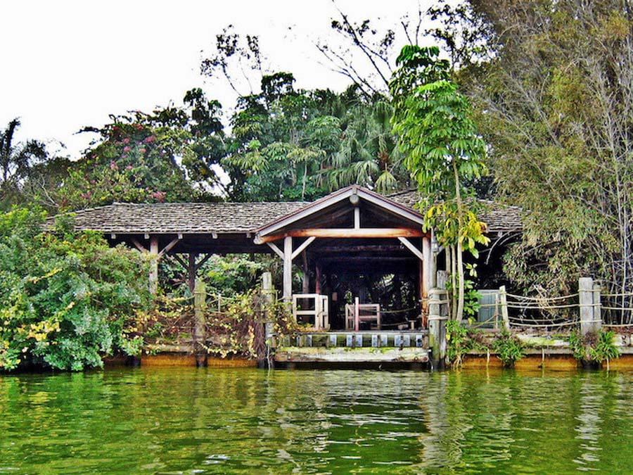 Disney-Discovery-Island-30218