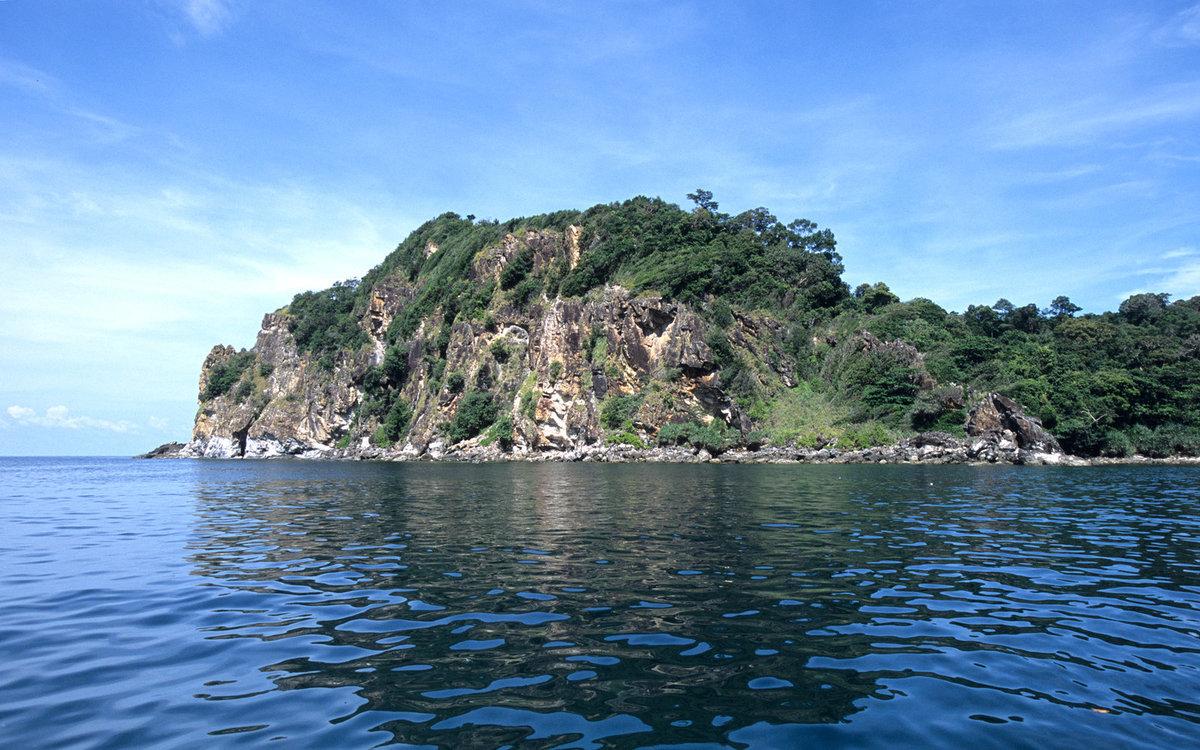 Ko-Khai-Nok-Island-Thailand-