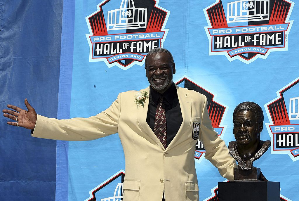 CANTON, OH - AUGUST 05: Rayfield Wright of the Dallas Cowboys poses with his bust after his induction during the Class of 2006 Pro Football Hall of Fame Enshrinement Ceremony at Fawcett Stadium on August 5, 2006 in Canton, Ohio.