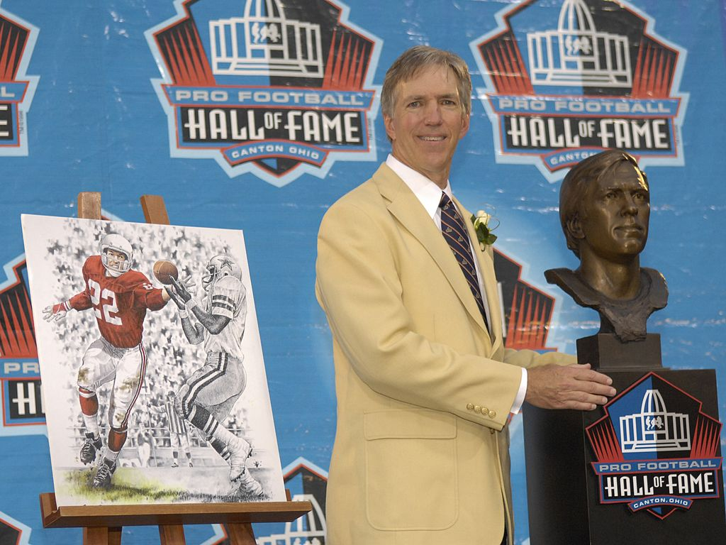 CANTON, OH - AUGUST 04: Roger Wehrli poses with his bust during the Class of 2007 Pro Football Hall of Fame Enshrinement Ceremony August 4, 2007 in Canton, Ohio.