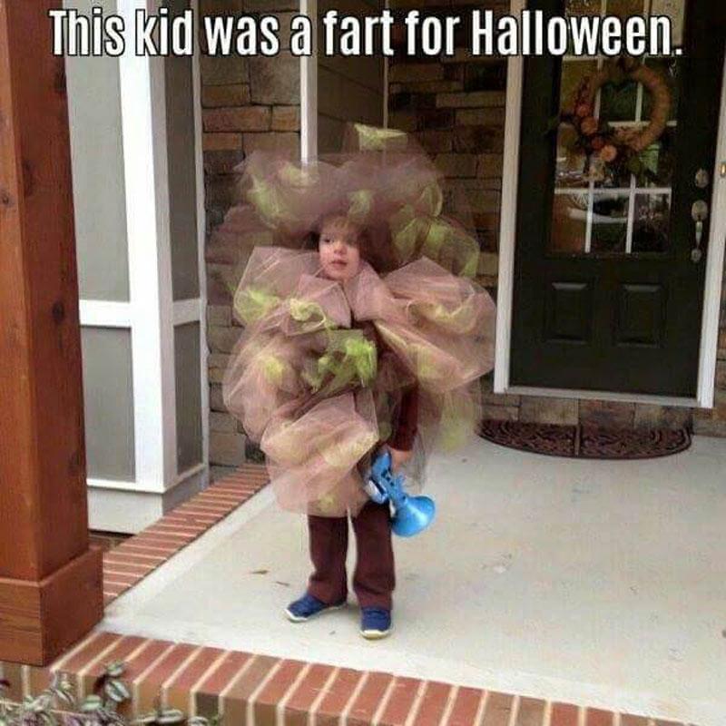 funny-kids-halloween-costumes-fart-1-73257