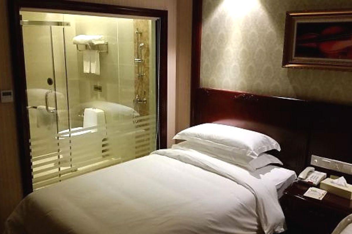 hotel fails feature
