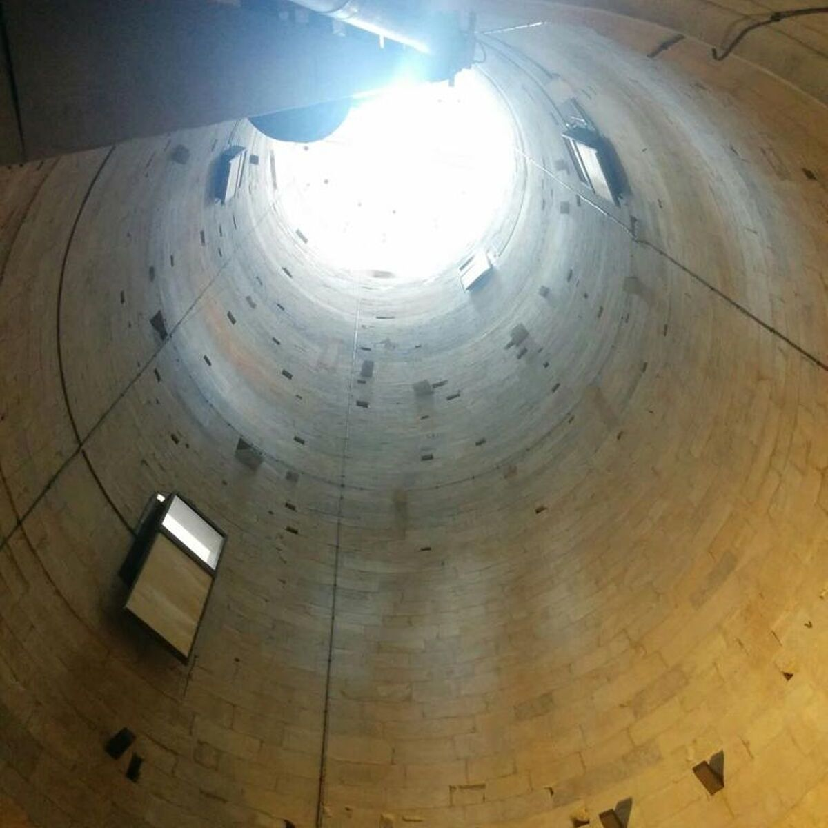tower of pisa is hollow inside