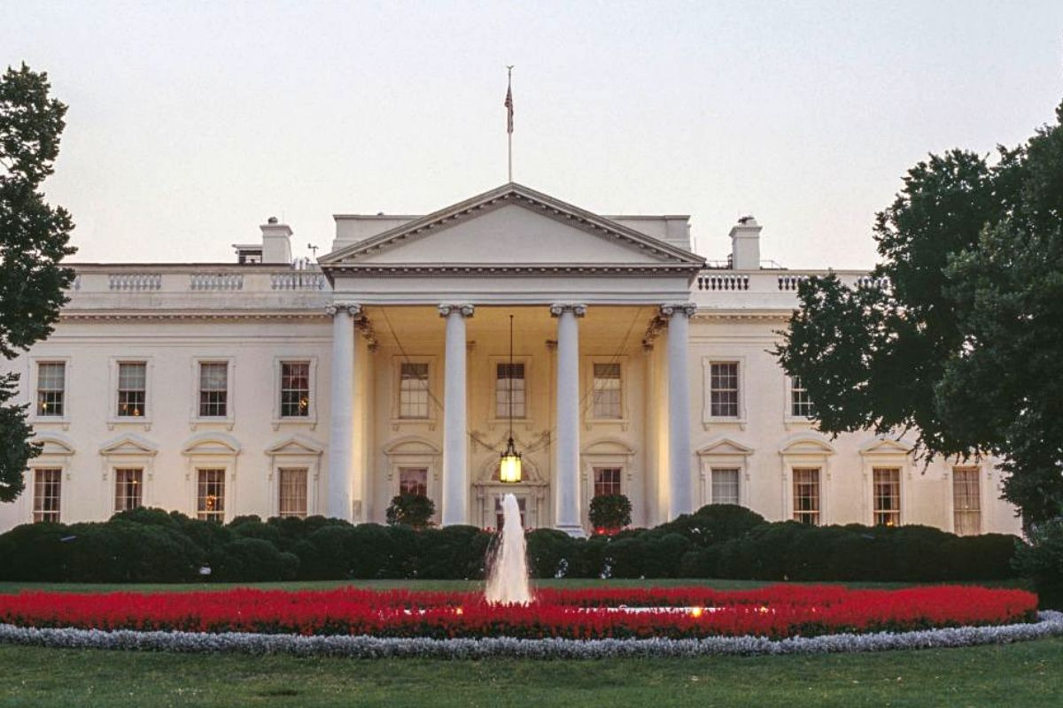 white house north facade