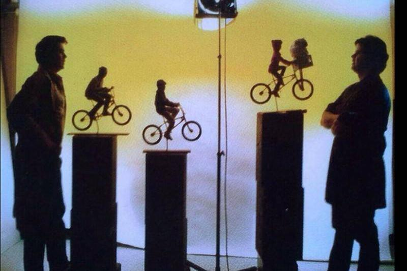 Behind the scenes of ET