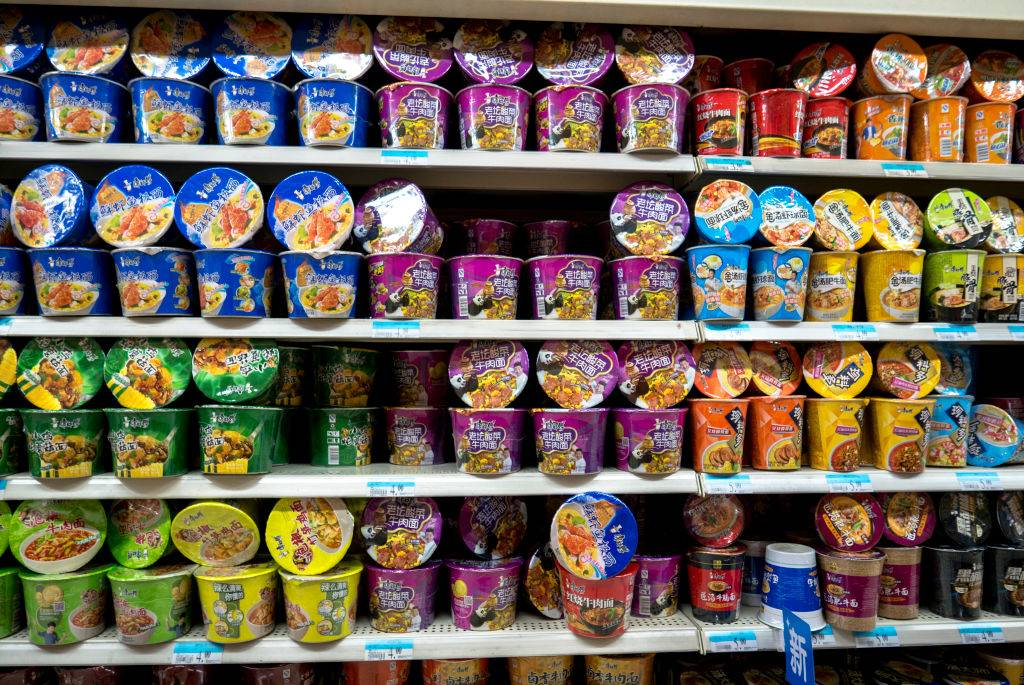 Master Kong instant noodles in a supermarket. In the first quarter of 2017, revenue of Master Kong instant noodles arrives at 5.811 billion yuan, an increase of 5.76%, accounting for 44.5% of the Chinese market in sales volume, 51.2% in sales amount.