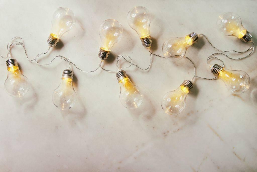 light-bulbs-90782