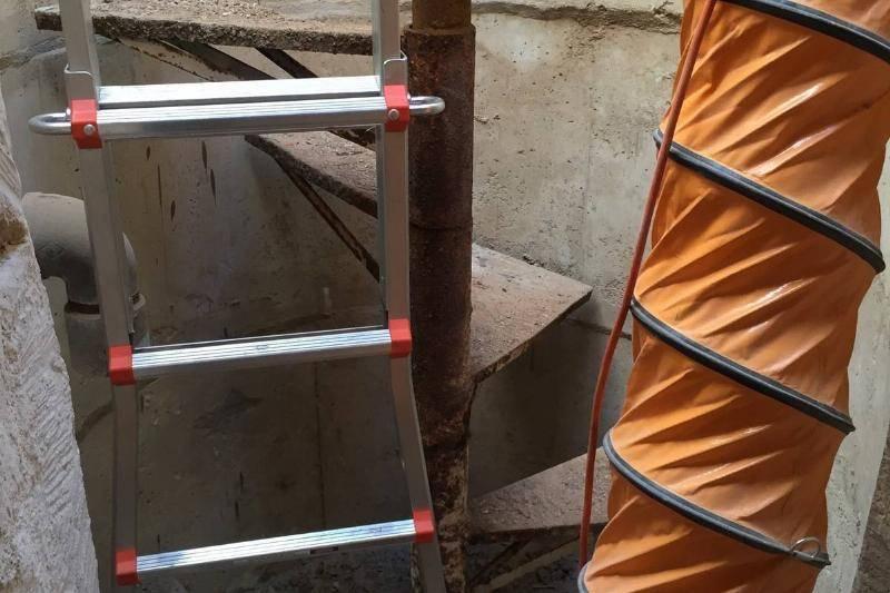 John-Had-An-Idea-For-A-Pseudo-Staircase-38869