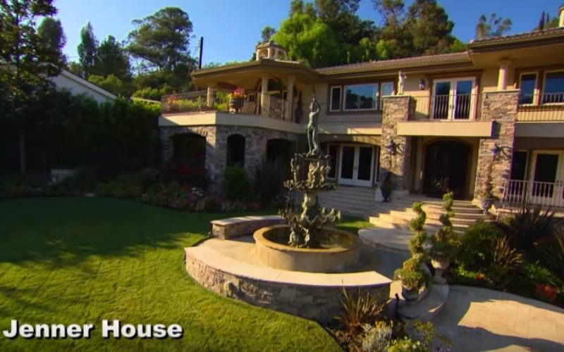 keeping up with the kardashians jenner house exterior